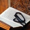"""أذكار الصباح والمساء .أذكار الصباح والمساء. .إذا أصبح المسلم يقول: «اللهم بك أصبحنا، وبك أمسينا، وبك نحيا، وبك نموت، وإليك المصير» . .إذا أمسى يقول: «اللهم بك أمسينا، وبك أصبحنا، وبك نحيا، وبك نموت، وإليك النشور» . .""""سبحان الله […]"""